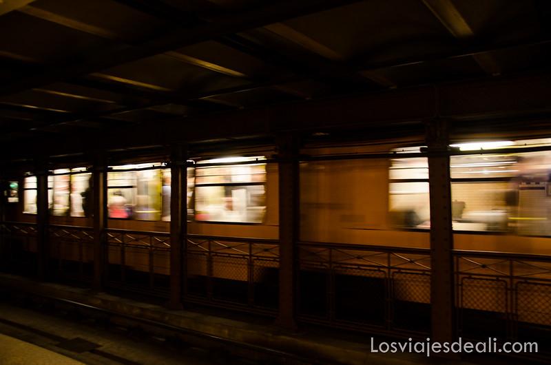 cómo moverse por Budapest metro