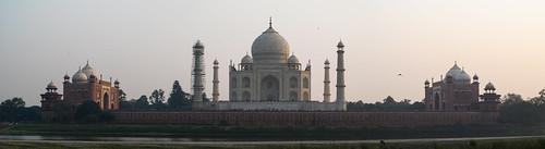 Taj Mahal: sunset de l'autre côté de la rivière Yamuna
