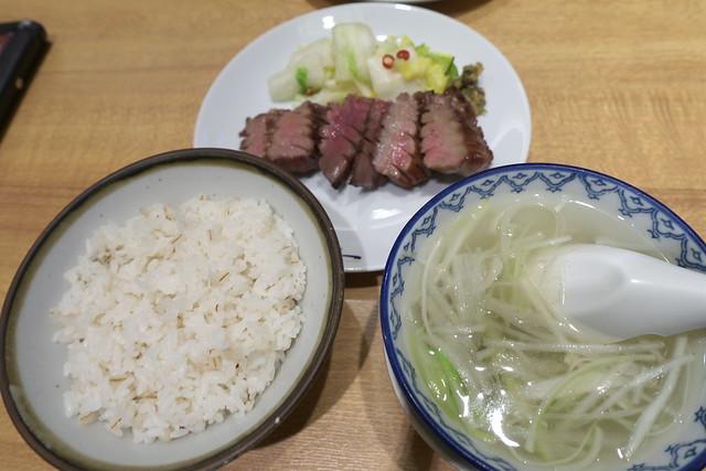 『牛たん炭焼 利久』パセオ店で牛たん『極』定食 3回目_04