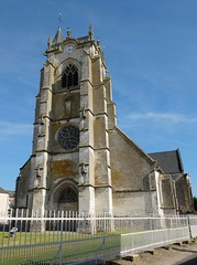 CRECY-EN-PONTHIEU : Eglise Saint-Séverin (façade)