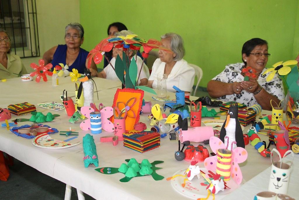 Adultos Mayores De Fertisa Culminaron Programa De Capacitaciones