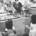 每次到菜市場都指定要買吳郭魚 by 直髮盧女士與捲毛壞脾氣小姐