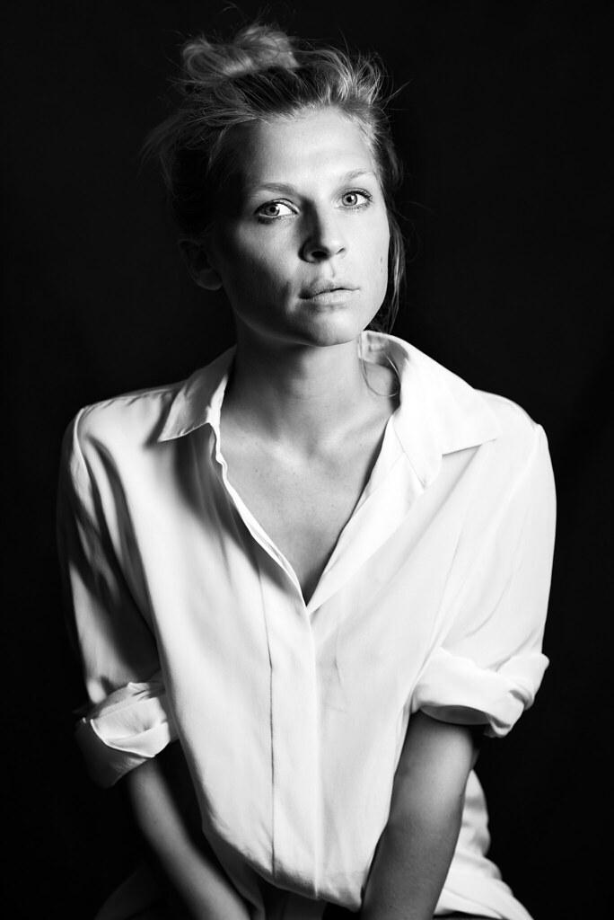 Клеманс Поэзи — Фотосессия для «The Ones Below» на «TIFF» 2015 – 5