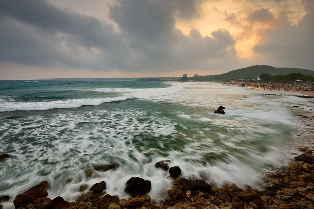 Sunset at Nanwan coast,Kenting,Taiwan 墾丁南灣夕照