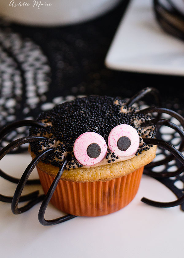 recipe, video and tutorial all about how to make these easy spider cupcakes from my time on the food network show halloween baking championship
