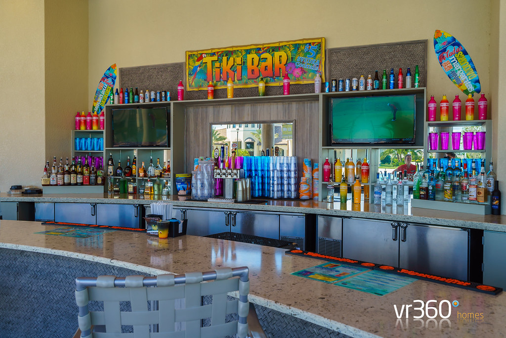 oasis clubhouse tiki bar at the retreat Champions Gate