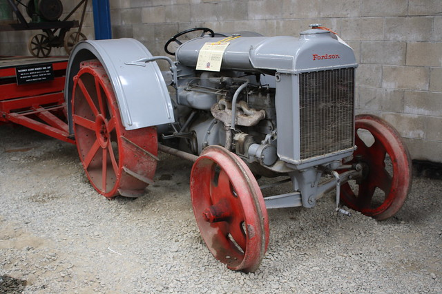 Fordson, Canon EOS 1000D, Canon EF-S 18-55mm f/3.5-5.6 IS II