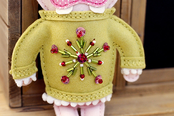 Papertrey Ink's Beaded Holiday Stitch Kit Motif Die Adds Holiday Sparkle to a Softie Sweater