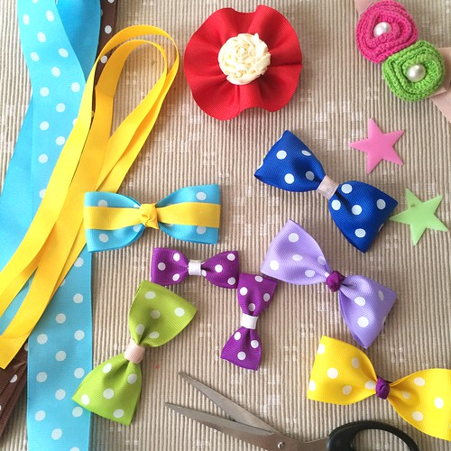 Hairbow prototypes for the gift-giving drive.