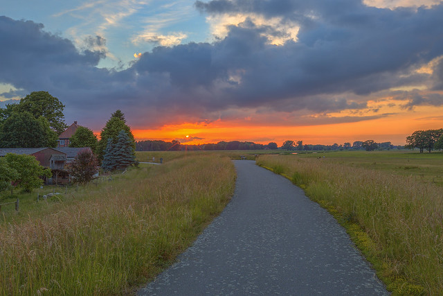 Sonnenuntergang bei Landsatz