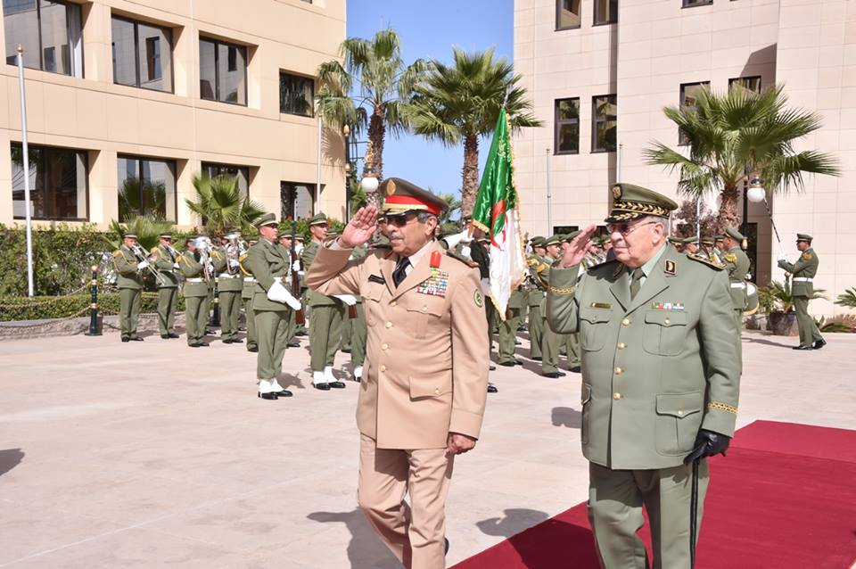 الجزائر : صلاحيات نائب وزير الدفاع الوطني - صفحة 5 30149771474_5642fd3dc6_o
