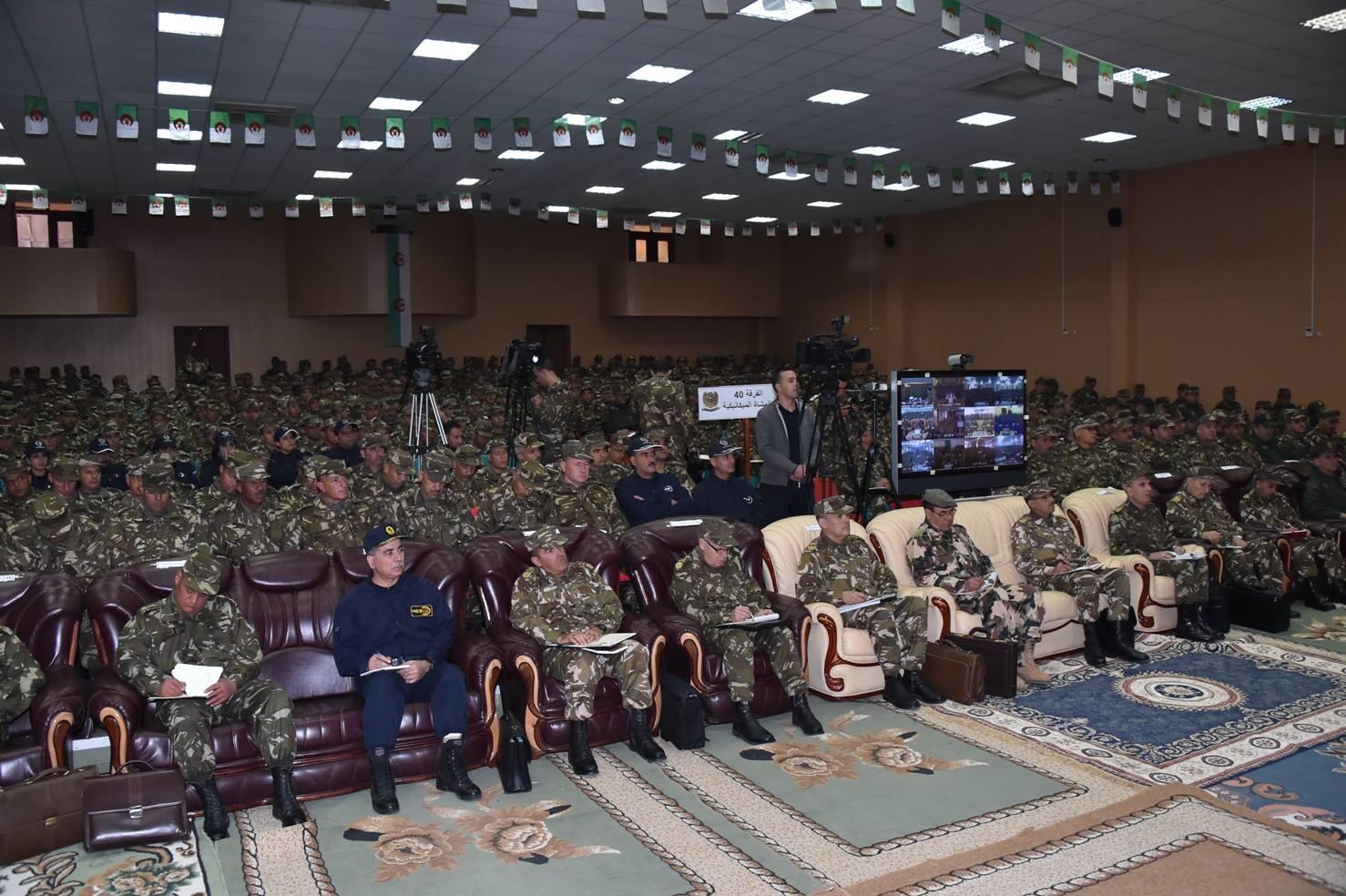 الجزائر : صلاحيات نائب وزير الدفاع الوطني - صفحة 5 30578648880_9360bb7896_o