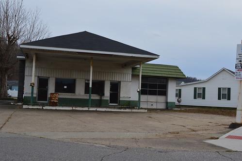 Former Quaker State Gas Station St. Marys, WV