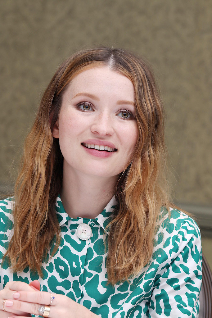 Эмили Браунинг — Пресс-конференция «Легенда» на «TIFF» 2015 – 21