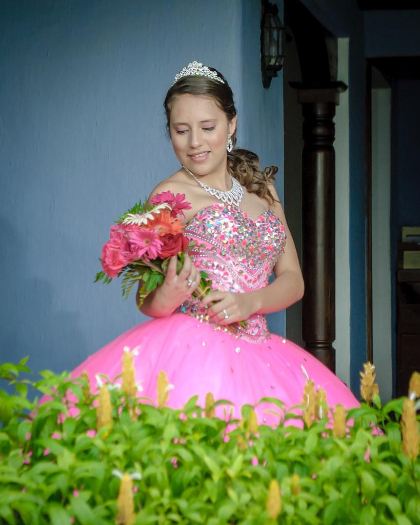8430128d0 Sesion de Fotos Quinceañera en Antigua Guatemala