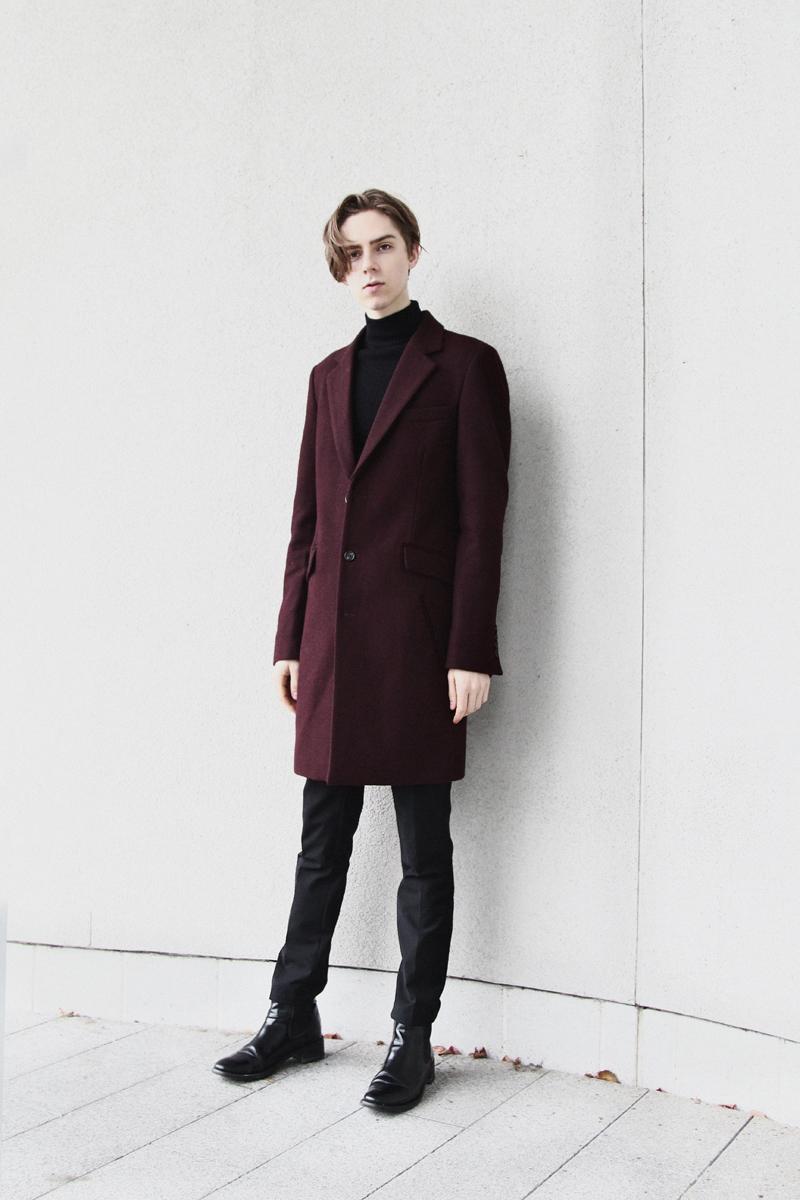 mikkoputtonen_fashionblogger_london_asos_burgundy_overcoat_turo_tigerofsweden_outfit_style_mensfashion_flowers3_web