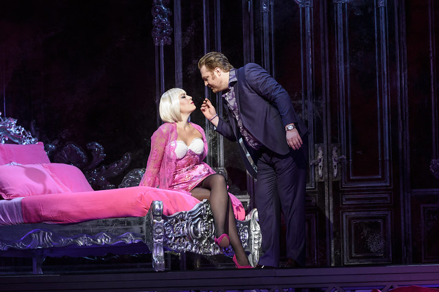Levente Molnár and Sondra Radvanovsky in Manon Lescaut, The Royal Opera © ROH 2016. Photo by Bill Cooper