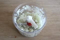 12 - Zwiebel würfeln / Dice onion
