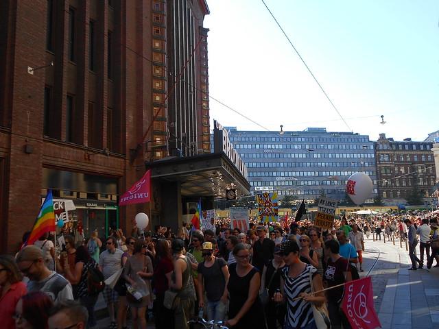 Mielenosoitus Helsingissä hallituksen leikkauspolitiikkaa vastaan 22.8.2015 - 8