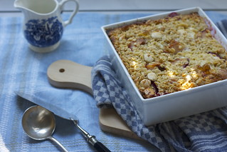 baked oatmeal with plums and almonds