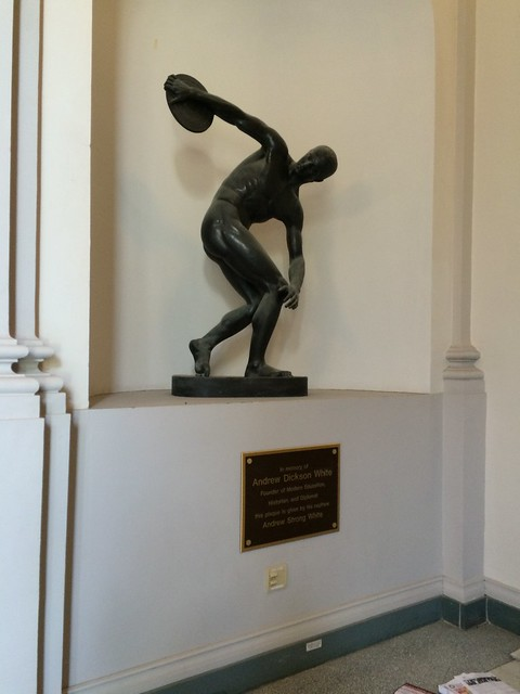 Photo:Discus Throwing Statue By ikrichter