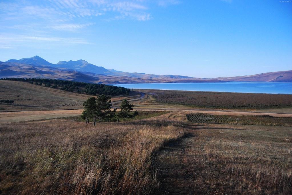 Tabatsghur (Tabatskuri) lake. Javakhk.