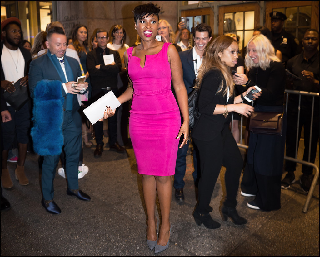 Jennifer Hudson arrives at Zac Posen Grand Central NYFW 9-2015