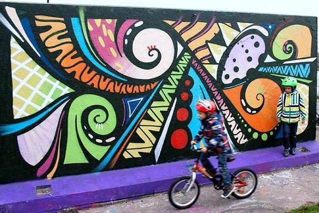 Noicattaro. Artisti di strada intero