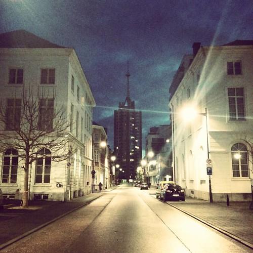 Gisterenochtend in #Leuven. 💤✨ #seemyleuven #leuvenlove #visitleuven #beforesunrise #awakening #earlymorning