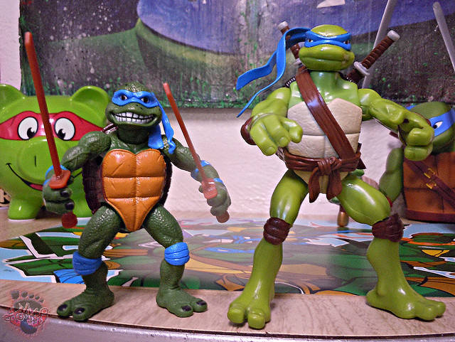 "Nickelodeon ""HISTORY OF TEENAGE MUTANT NINJA TURTLES"" FEATURING LEONARDO - 'MOVIE STAR' LEO ix / ..with TMNT Movie LEONARDO '07 (( 2015 ))"