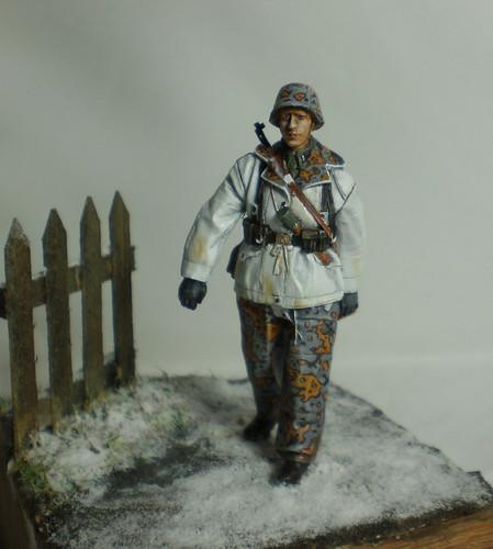 WSS Grenadier Late War - Alpine miniature - 1/35eme - Peinture a l'huile - Page 2 23542804966_dfe4861d00