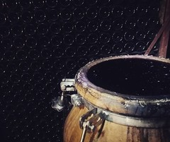 C'est le moment de sortir le #vin de l'#Amphore  #Argilité #Rouge #PinotNoir 🍇 #Amphora 🚀  #2014 #Champagne #Tarlant #Vigneron #depuis1687