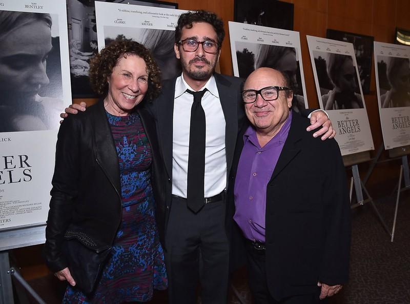 Фото | Дэнни Де Вито с сыном и женой
