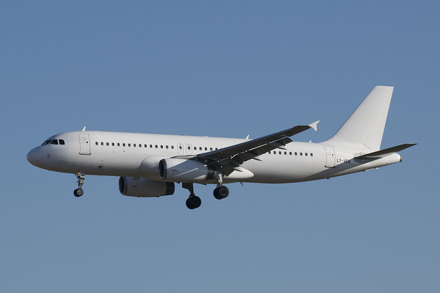 LY-VEM  Avion Express  A320  leased by Vueling