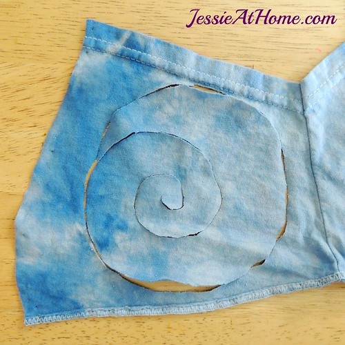 Re-Tee-free-tutorial-by-Jessie-At-Home-flower-Step-1