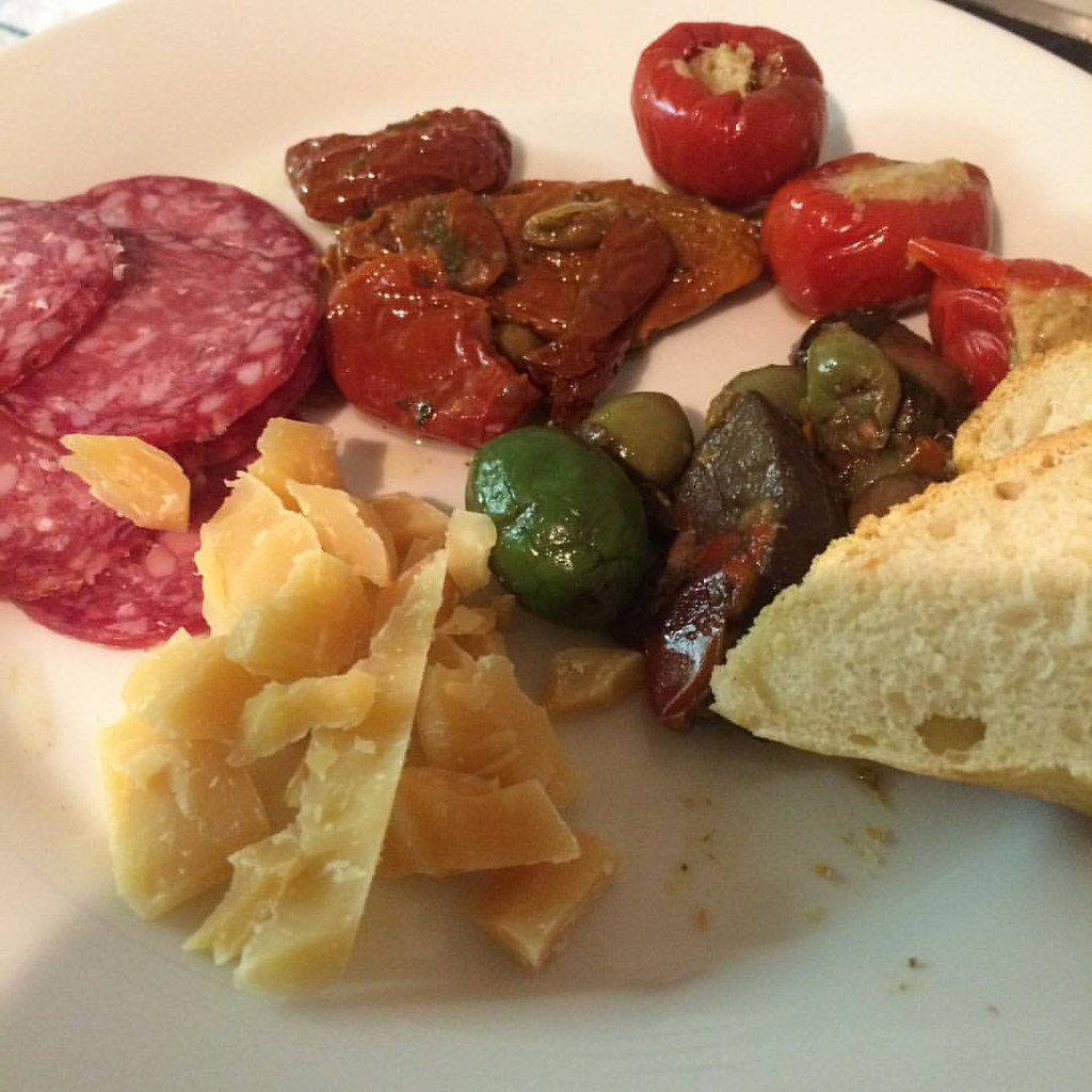 #abendessen #dinner #cena #vecera #antipasti #käse #cheese #formaggio #pagisland #sir #food #foodbloggersfreuden #delicious #hrvatska #Italia #italy