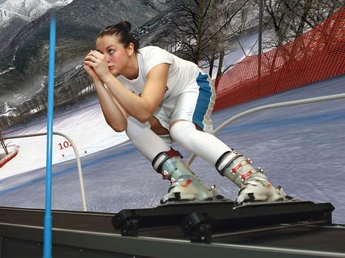 2 lekce na lyžařském carvingovém trenažéru SKYTEC INTERACTIV se slevou 30 %