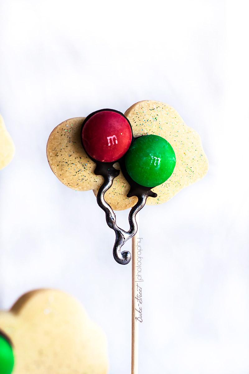 Nubes de galleta y globos de M&Ms