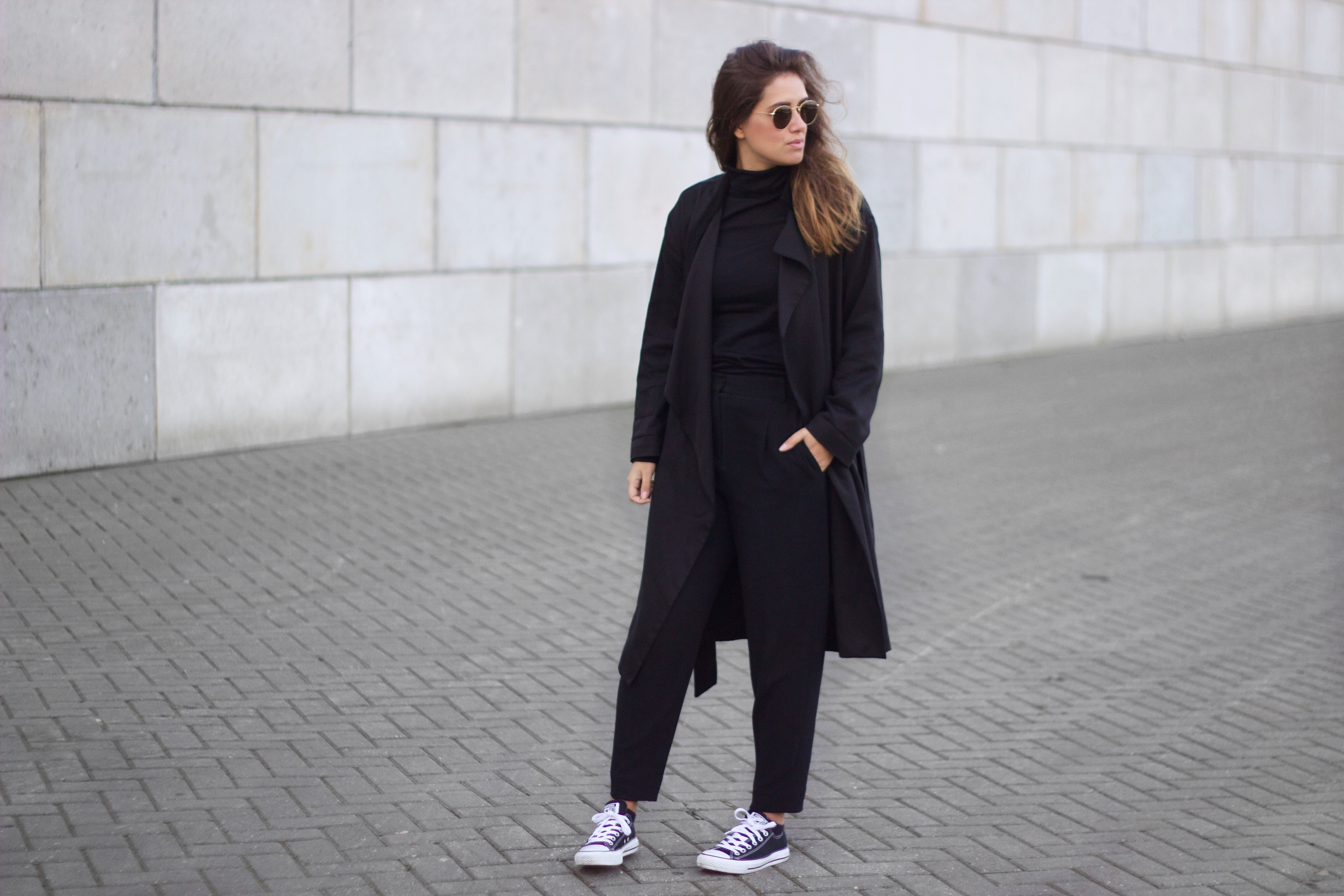 Long-coat-autumn-season-trend-black-white-simple-basic