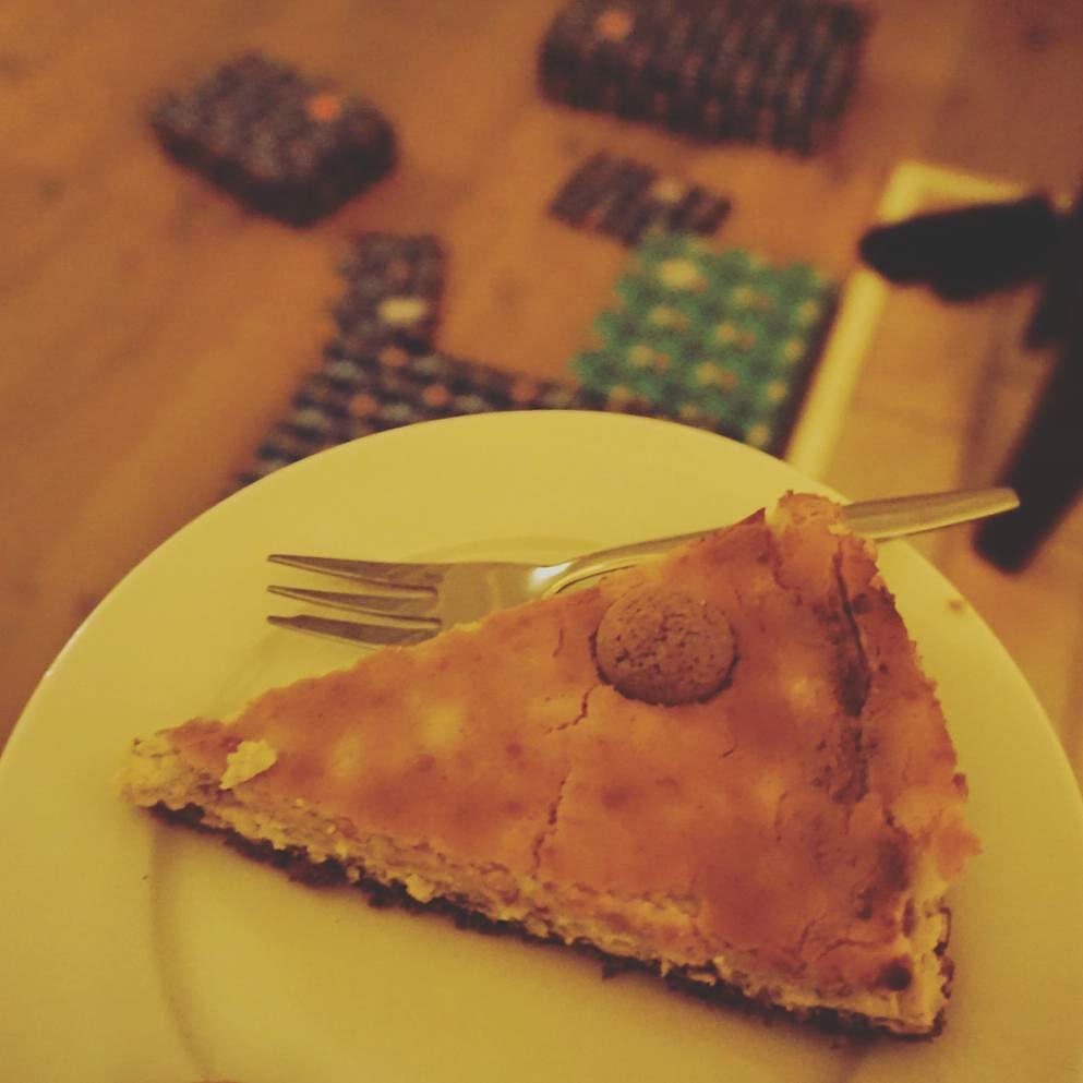 Voor het eerst zelf gemaakt, een cheesecake. Een speciale pepernoten-editie. #latergram #pakjesavond #5december