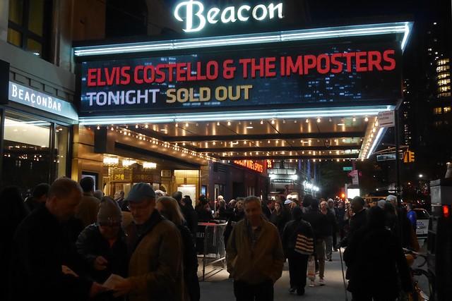 月, 2016-11-07 20:14 - Elvis Costello & The Impostors at the Beacon Theater