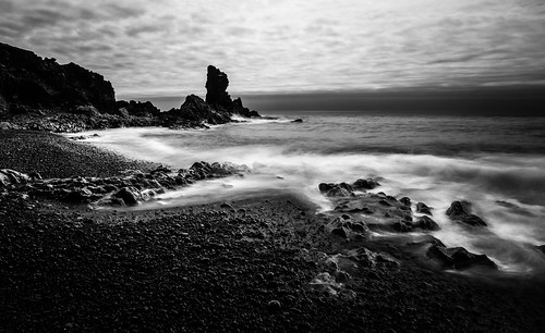 light sea bw white black beach water rock dark iceland long exposure noir time smooth wave peak pebble le blanc snaefellsnes