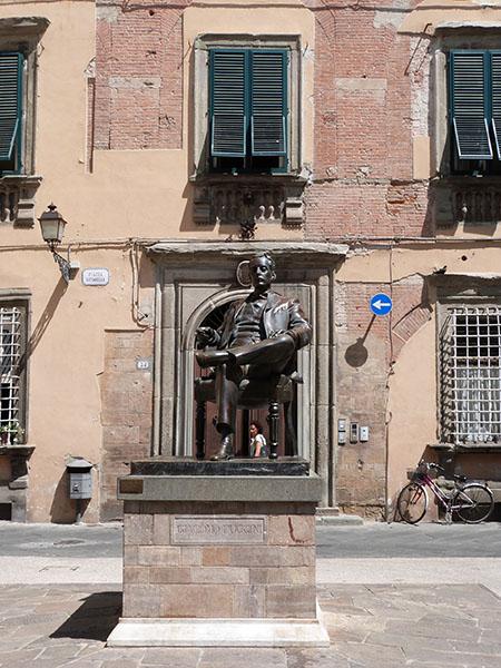 statue de puccini