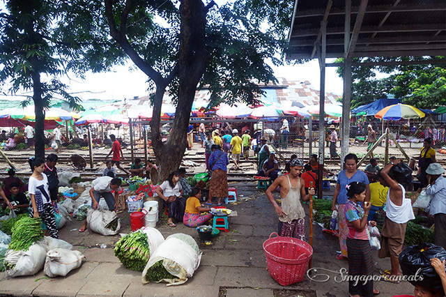 Yangon Circle Train 09 - Market Day