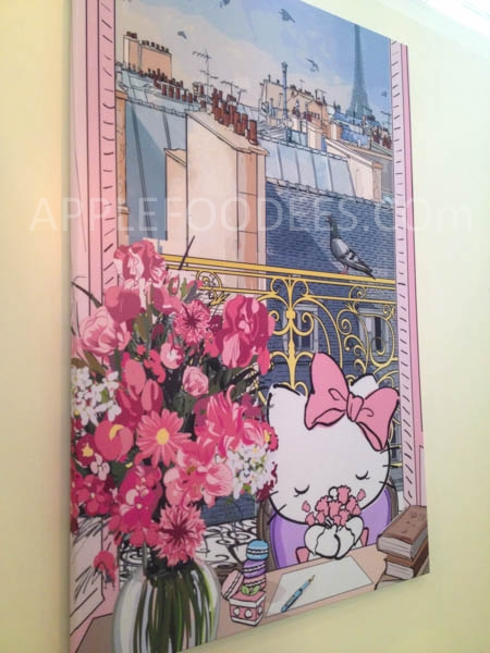 hello-kitty-cafe-decor-2