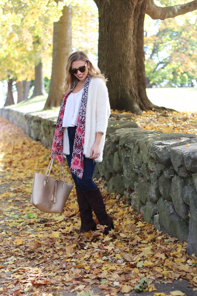 Fuzzy White Sweater | Skinny Jeans | Brown Boots | Casual Fall Outfit | Playing in Leaves