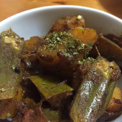 カボチャとオクラのサブジ #dinner 新レシピで。トマト入り。