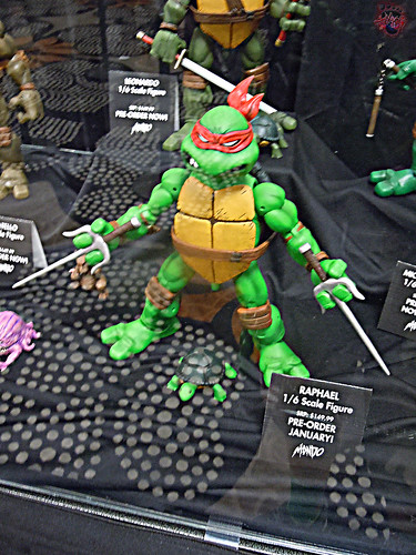 MondoCon 2015 :: Toy Display; TMNT 1/6 figures - RAPHAEL