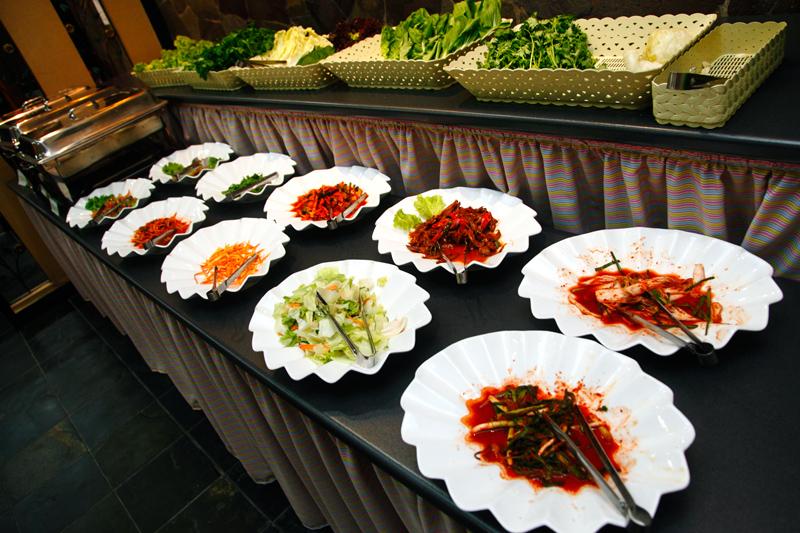 San Nae Deul Noonsaram BBQ Banchan