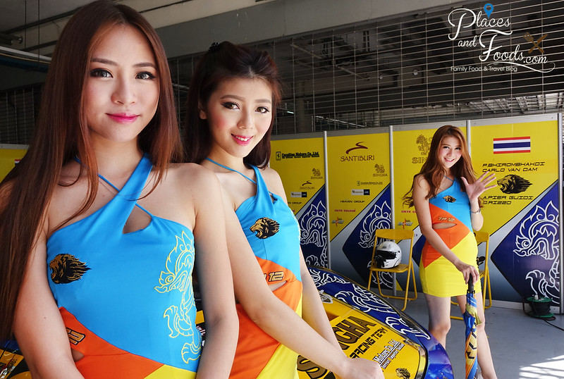 team singha pit with models